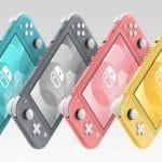 Une Nintendo Switch Lite couleur corail